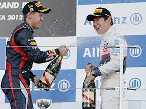 F1日本GP・小林とフェテル(時事通信) - 写真 - Yahoo!ニュース - Google Chrome 20121007 202157.jpg